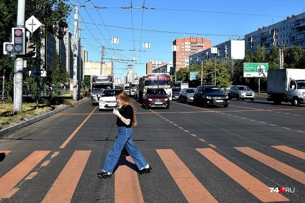 Временная разметка на Комсомольском проспекте
