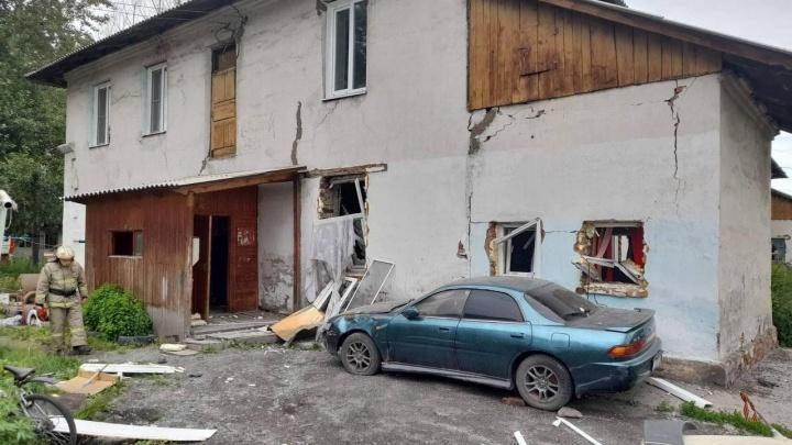 Бойлер взорвался в аварийной двухэтажке в Ачинске. Пострадал ребенок