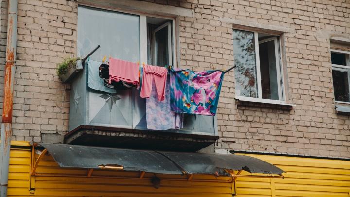 Люстра-штурвал и кухня в стиле лофт: 5 квартир в хрущевках и брежневках Тюмени, которые вас удивят