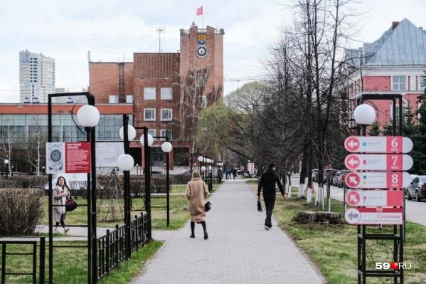 Территория ПГНИУ — это целый университетский городок
