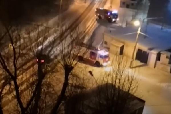 Звук взрыва услышали жители домов в районе Теплотеха
