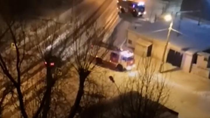 «Волной с дивана чуть не снесло»: челябинцев переполошил звук взрыва