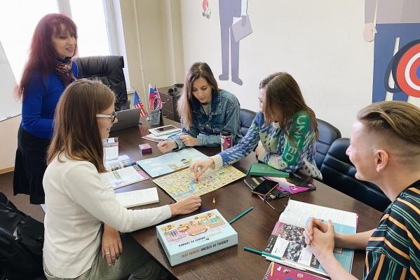 В языковом центре работают преподаватели из разных стран