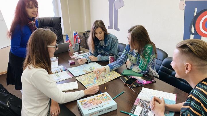 Преподаватели-иностранцы, чаты в телеграме и необычный тест: как учат английскому в Новосибирске