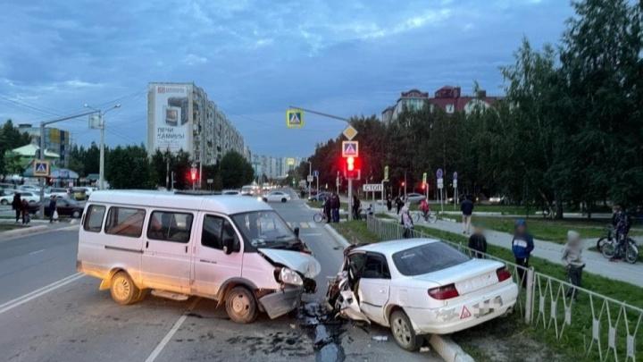 Водитель «Лексуса» спровоцировал ДТП в Нижневартовске, но сам не пострадал