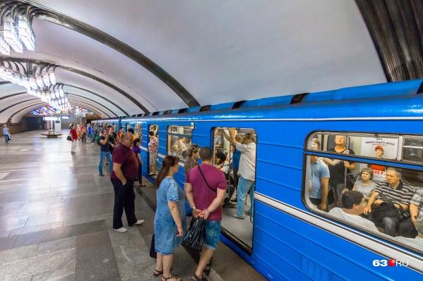 Среднее время ожидания вагона метро — от 6 до 10 минут