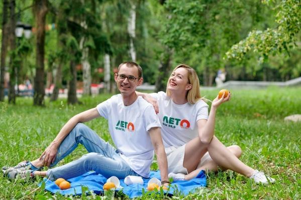 Ася Литвинова и Коля Макеев раздадут горожанам мороженое