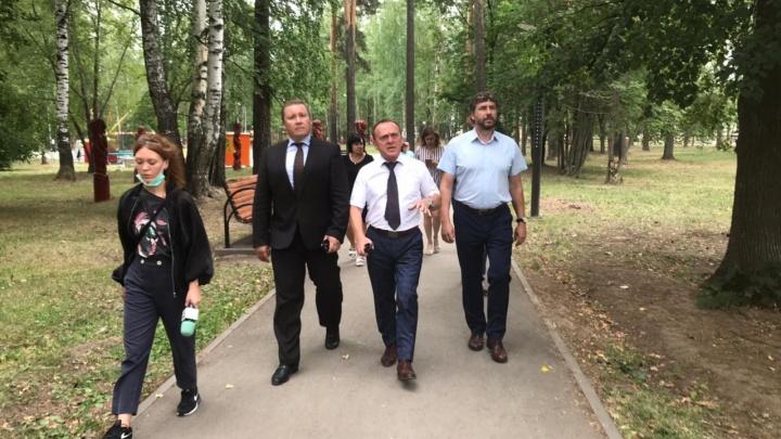 Активисты проекта «Городская среда» проверили состояние Центрального парка в Краснокамске