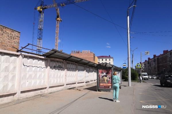 Многоквартирный дом на территории бывшего хлебозавода планируется ввести осенью 2022 года