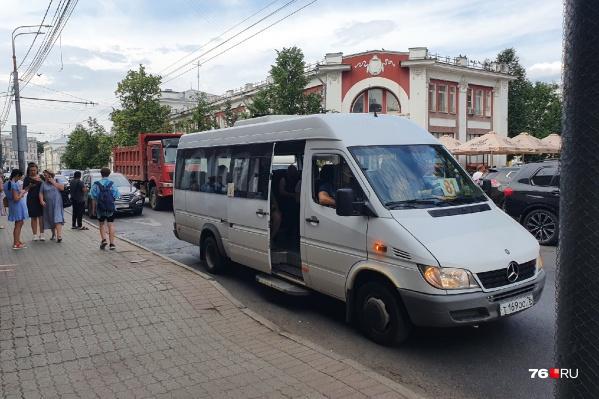 По Ярославлю ездят нелегалы