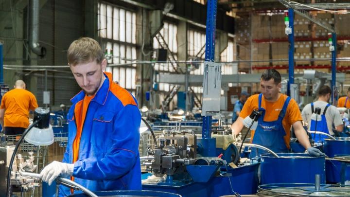 Хорошая зарплата, отсутствие пафоса и скучных задач: за что новосибирцы любят работу на современном заводе
