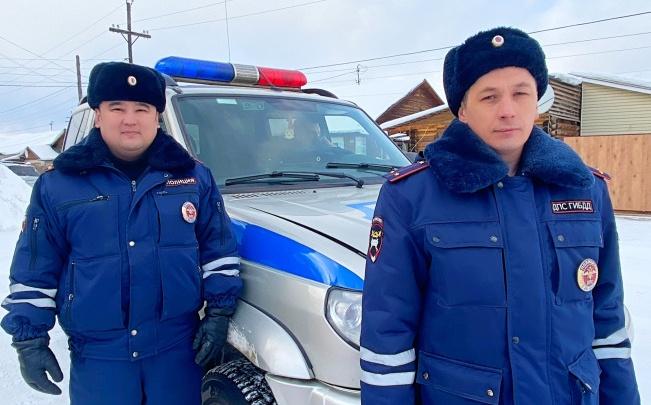 Полицейские спасли мужчину с обморожением. Он лежал в снегу ночью на безлюдной улице