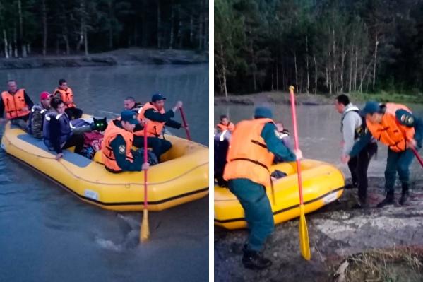 Туристов переправили на берег без происшествий
