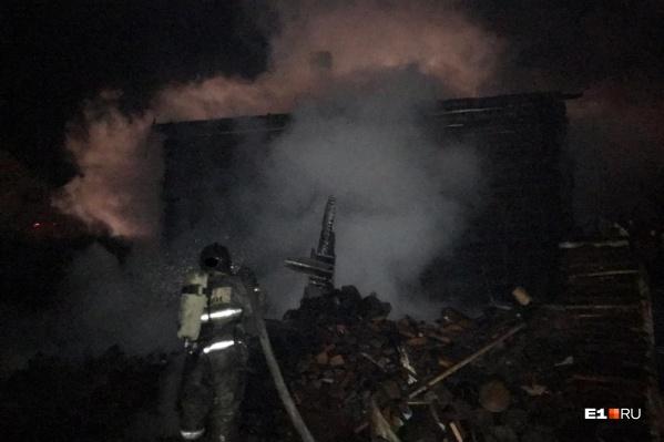Дом сгорел полностью