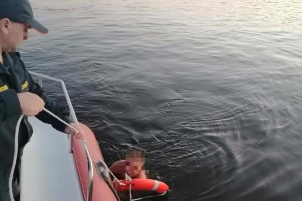 Нижегородец решил совершить ночной заплыв