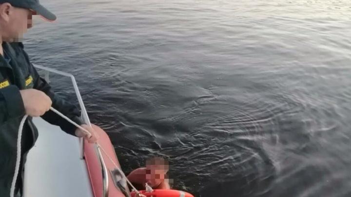 Пытался переплыть Волгу, но не смог: нижегородка поблагодарила МЧС за спасение мужа