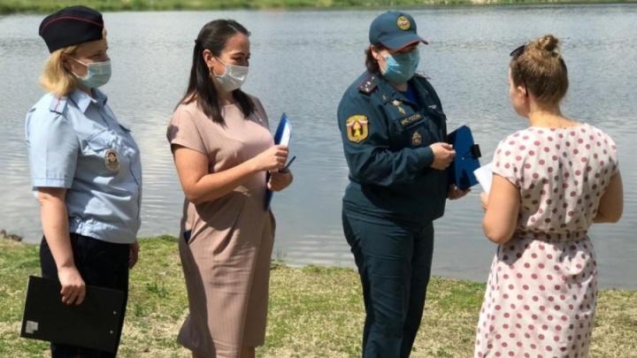 Полиция и спасатели из Екатеринбурга устроили рейды по забитым людьми пляжам