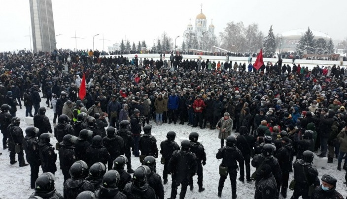 В Самаре после митинга в поддержку Навального в отношении шестерых подростков составили протоколы