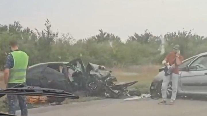 Жесткая авария на трассе под Волгоградом, есть погибший и раненые
