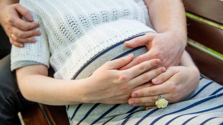 Раньше — не лучше: акушер развеяла мифы о том, в каком возрасте легче рожать