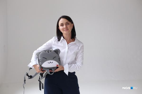 Однажды Мария Калинина не смогла найти хороший и интересный рюкзак своему сыну-детсадовцу. И решила исправить это