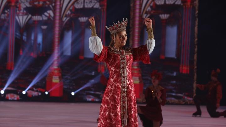 Татьяна Навка танцами на льду поблагодарила челябинских врачей за работу. Шоу собрало тысячи зрителей
