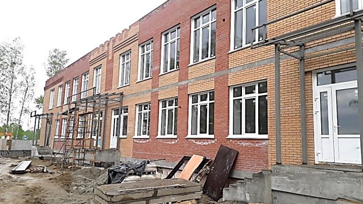 Скандальный детсад признали аварийным: застройщик использовал горючий материал, а окна может «снести порывом ветра»