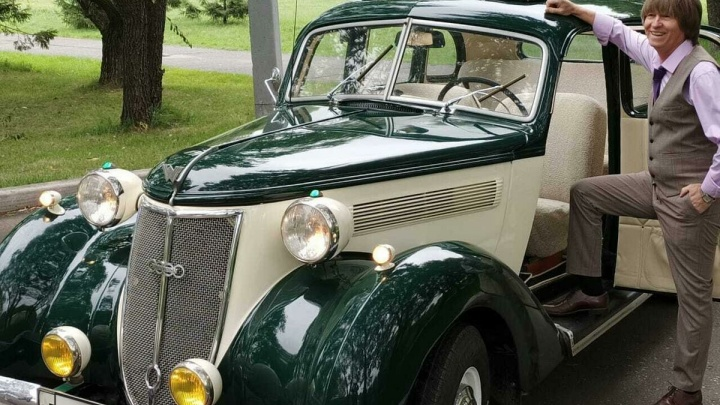 «Таких машин в России всего семь»: омич продает легендарный немецкий автомобиль 1939 года