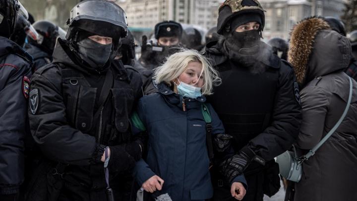 В Новосибирске увеличилось количество задержанных— их уже больше 90человек