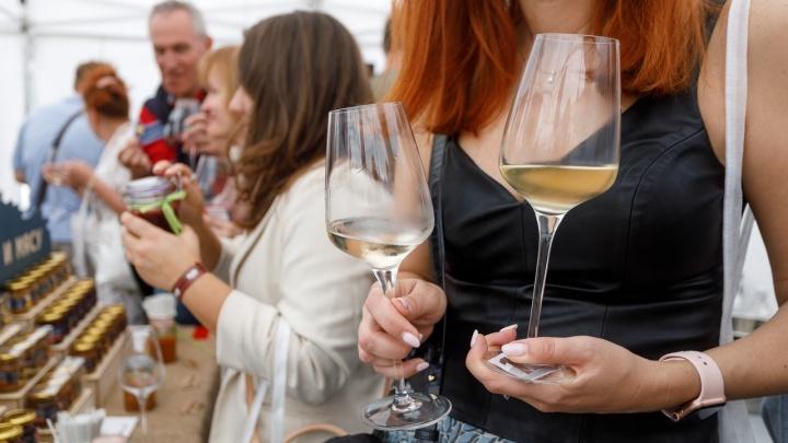 Ярмарки, дегустация вин и парусная регата: как прошел первый день празднования 432-летия Волгограда