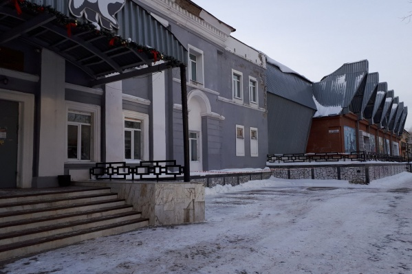 Когда-то спорткомплекс на Ласьвинской принадлежал Пермскому пороховому заводу