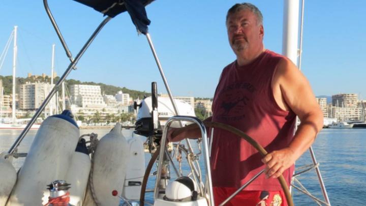 «Капитан срочно снарядил бригаду за алкоголем»: омич— о том, как застрял на лайнере во время пандемии