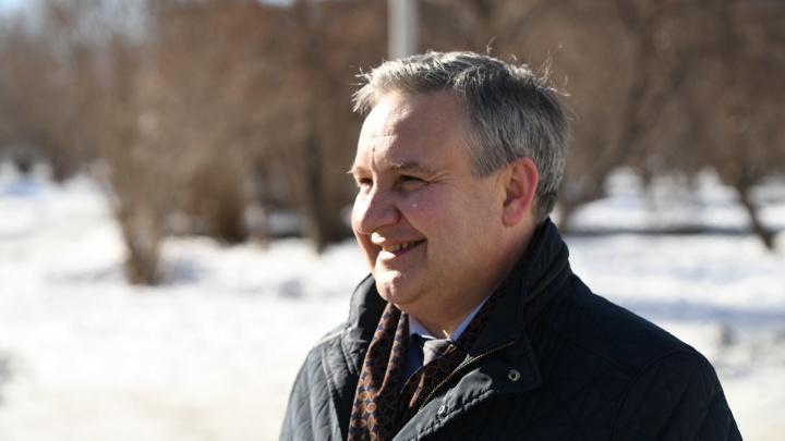 Почему на дорогах сугробы? Прямой эфир с главой Верх-Исетского района Андреем Морозовым