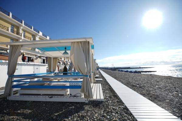 К новому сезону в Сочи обновили пляжи