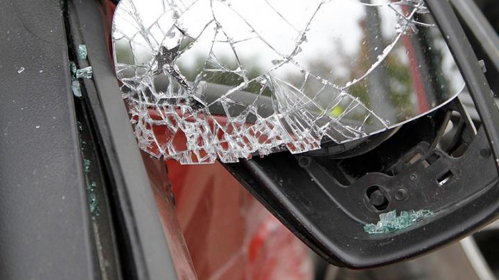 На юге Волгограда легковушка лоб в лоб столкнулась с автобусом: есть пострадавшие