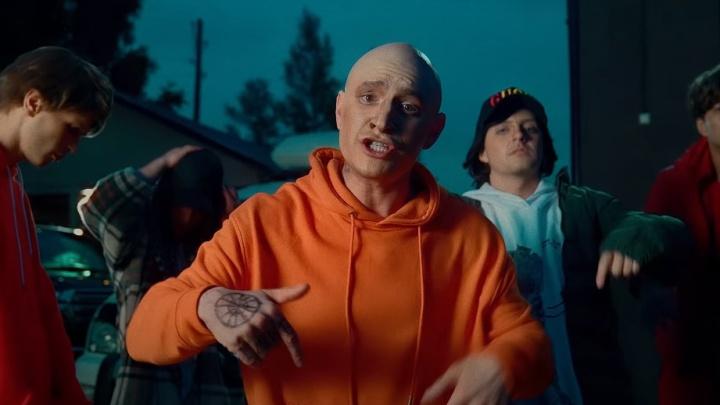 Сатир снял пародию на клип Моргенштерна, переодевшись в другого известного рэпера