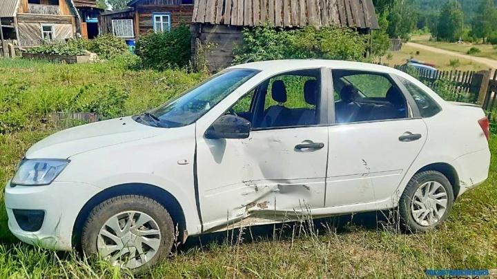 В Богучанах подросток угнал машину у деда-инвалида и едва не погубил себя и друга в пьяном ДТП