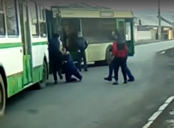 ВКрасноярске подрались водители автобусов