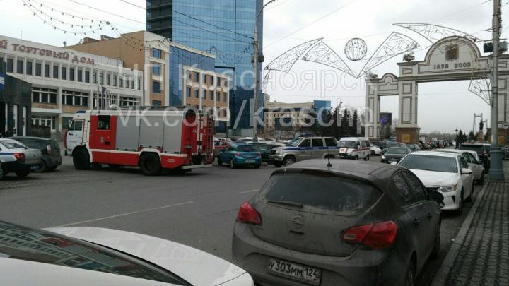 Красноярцы встревожили полицию и спецслужбы сообщениями о бесхозных вещах и минировании (фото)