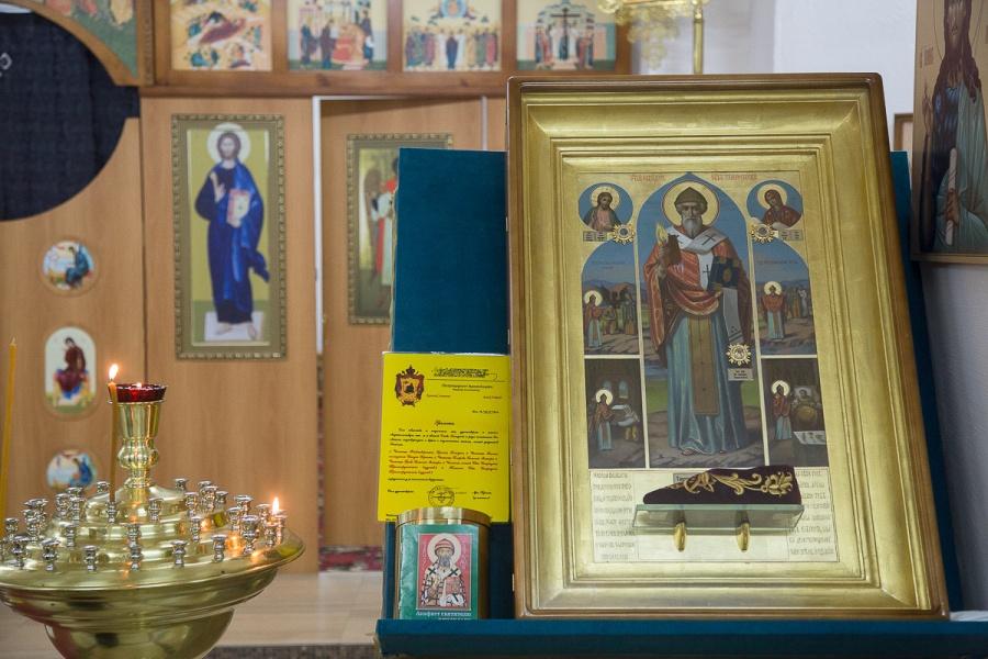 Вкрасноярский храм изГреции впервый раз привезли чудотворные иконы