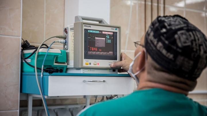 «Не врачи, а просто боги»: хирурги спасли новорожденного с половиной сердца