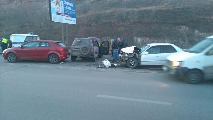 Пассажирка «под наркотиками» пострадала в массовой аварии на Брянской