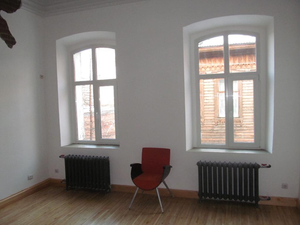 Высота потолков на полтора метра выше потолков квартир сталинской постройки — 4,5 метра<br>