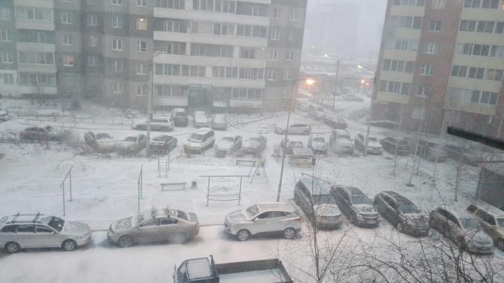 На Красноярск движется метель со скоростью ветра до 20 м/с