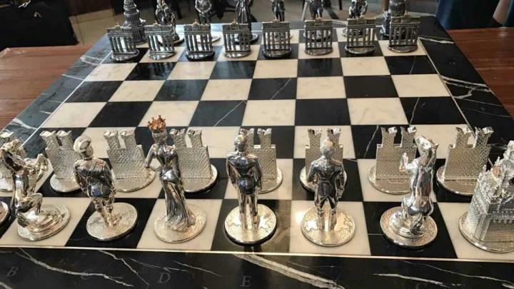 «Шахматы с Путиным и юбилей бабы Лены»: топ хороших новостей за неделю