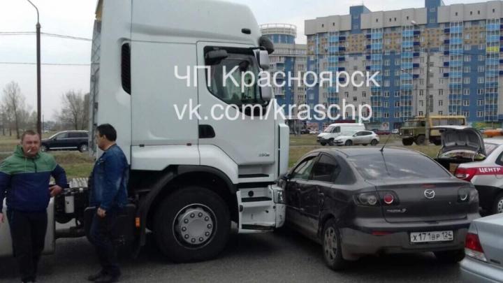 «Флешмоб грузовиков»: сразу две похожих аварии произошли за несколько часов в «Северном»