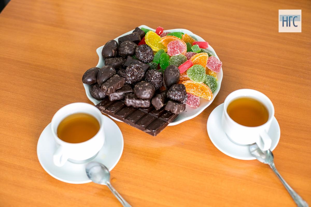 Каждый день предприятие изготавливает до 2 тонн сладостей