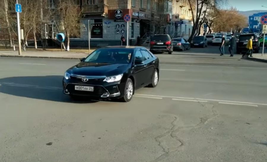 Собственный шофёр руководителя МВД Красноярского края проехал под «кирпич»