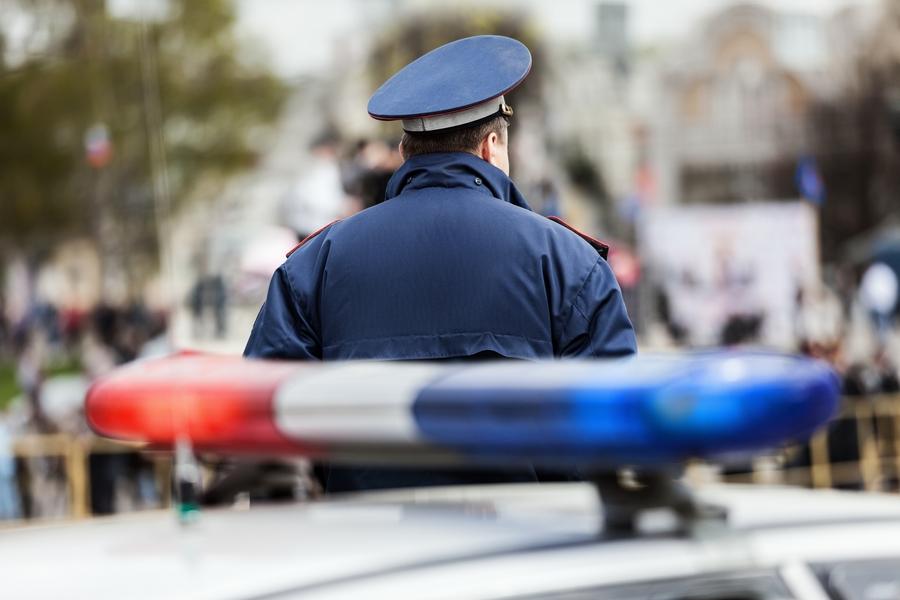 ВШарыповском районе Красноярского края нетрезвый мужчина грозил полицейскому ножницами