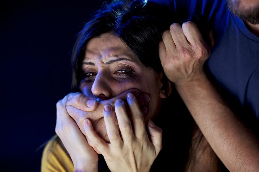 ВКузбассе охранник кафе втуалете изнасиловал женщину
